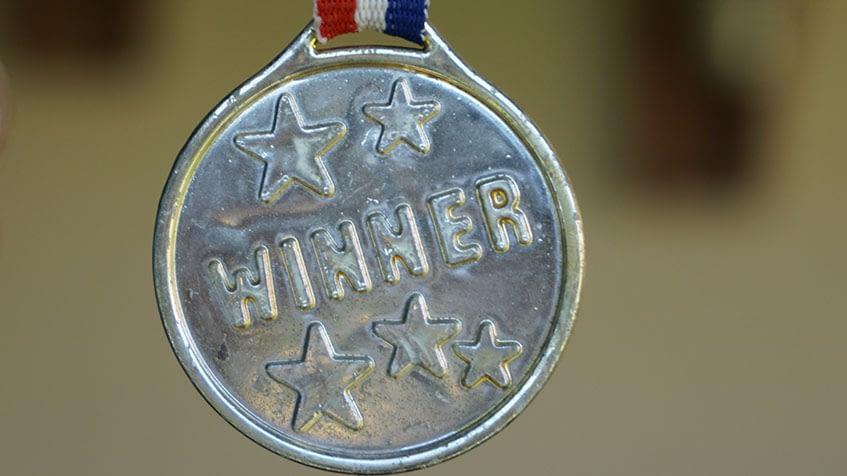 A recompensa é apenas um de muitos fatores que vão influenciar no comportamento da equipe - Foto: Divulgação