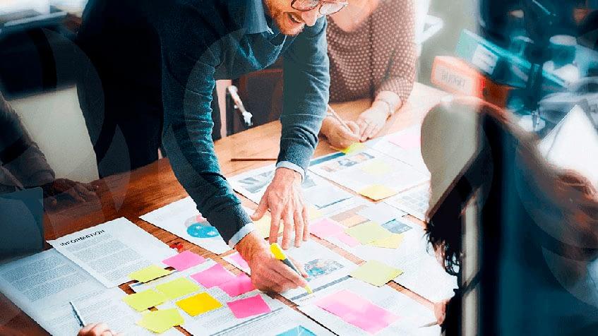 A melhor forma de profissionalizar a gestão da equipe é estruturar um rh para usa empresa.